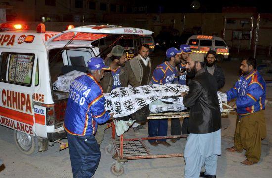 У Пакистані стався вибух у мечеті: 15 людей загинули, ще два десятки - поранені