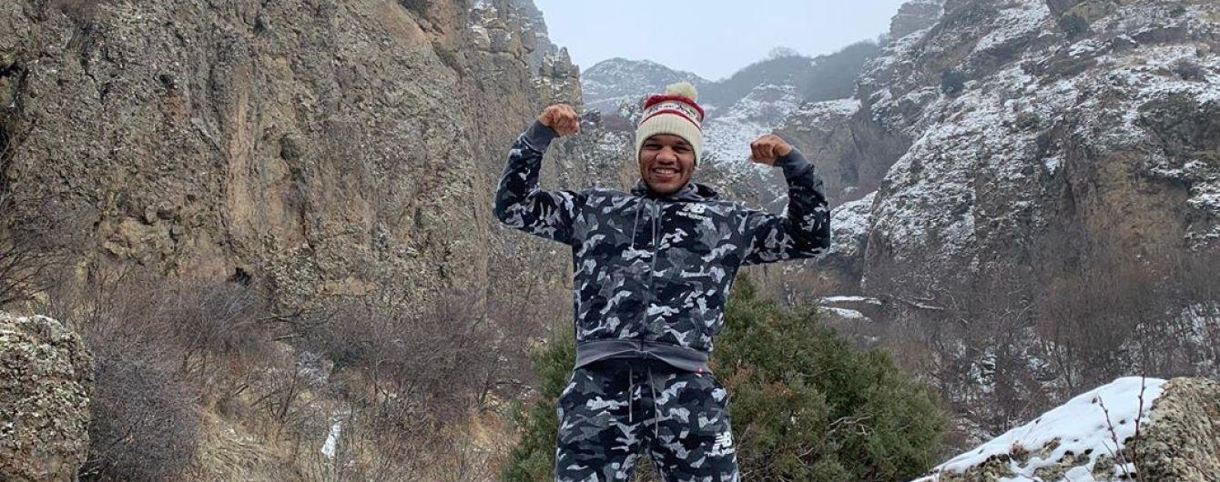 Борець-депутат Беленюк розсмішив африканським танцем у балаклаві