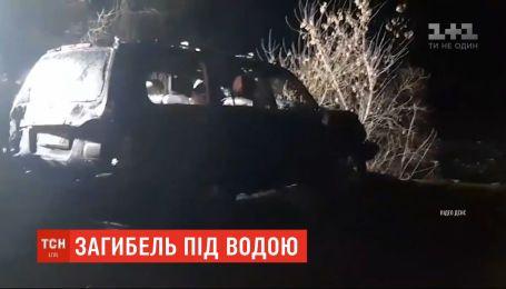 Внедорожник съехал в пруд в Днепропетровской области: 4 человека погибли