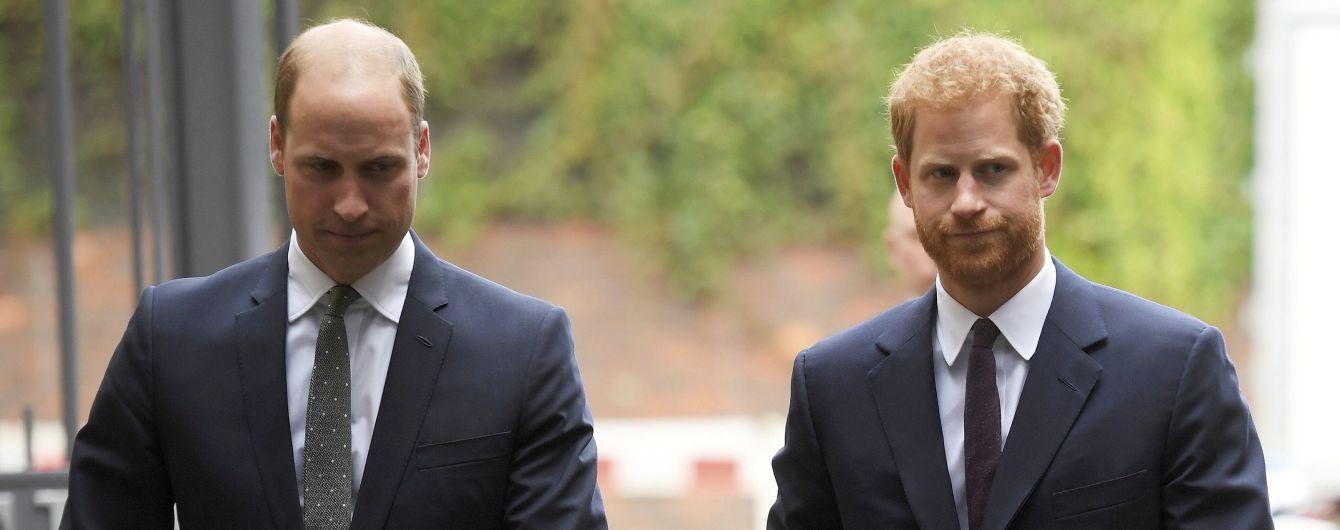 Принц Уильям заявил, что больше никогда не сможет обнять брата Гарри – СМИ