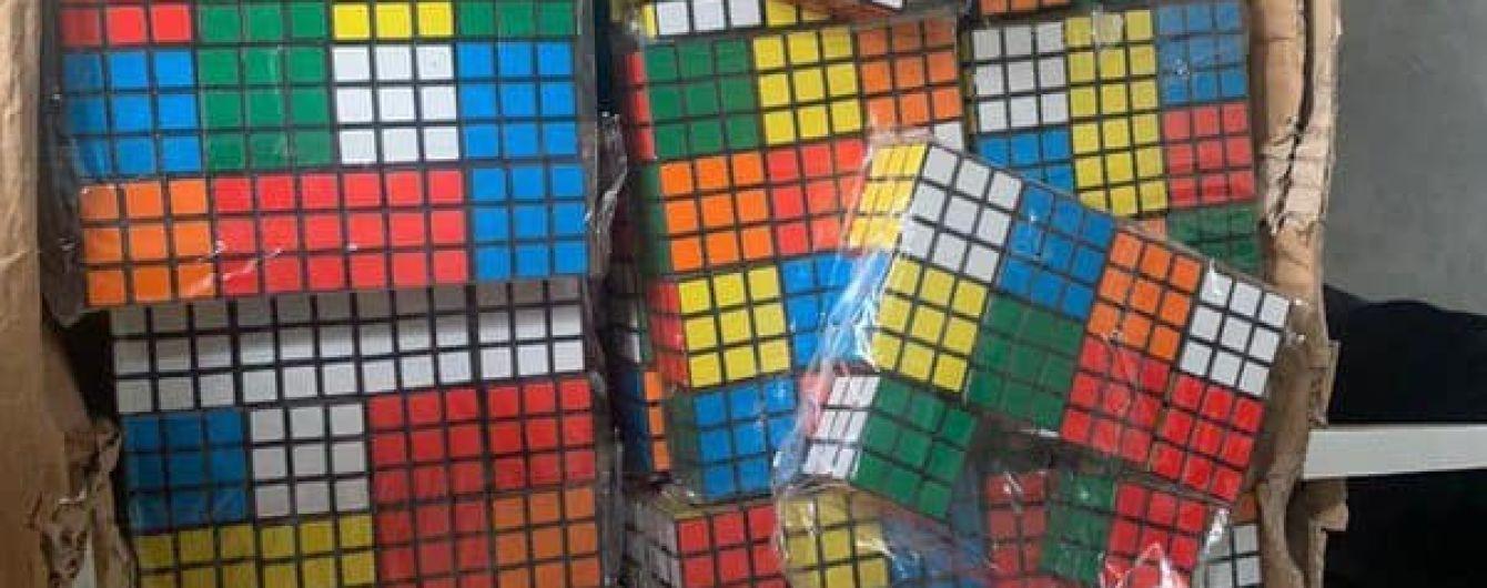 На Одесчине таможенники обнаружили контрабандные кубики Рубика на 3 миллиона гривен