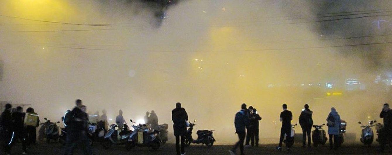 Девять пострадавших: в КГГА назвали причину прорыва магистральной трубы возле Ocean Plaza