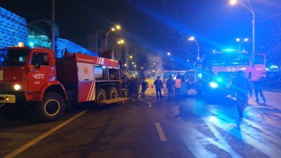 Порив тепломережі біля Ocean Plaza: семеро людей отримали термічні опіки та потрапили до лікарні