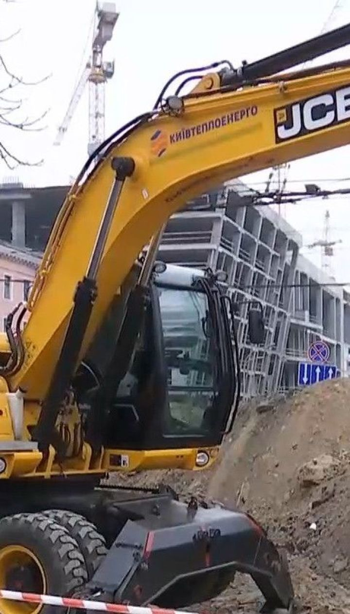 Прорив тепломережі біля ТЦ у Києві: що відбувається на місці аварії