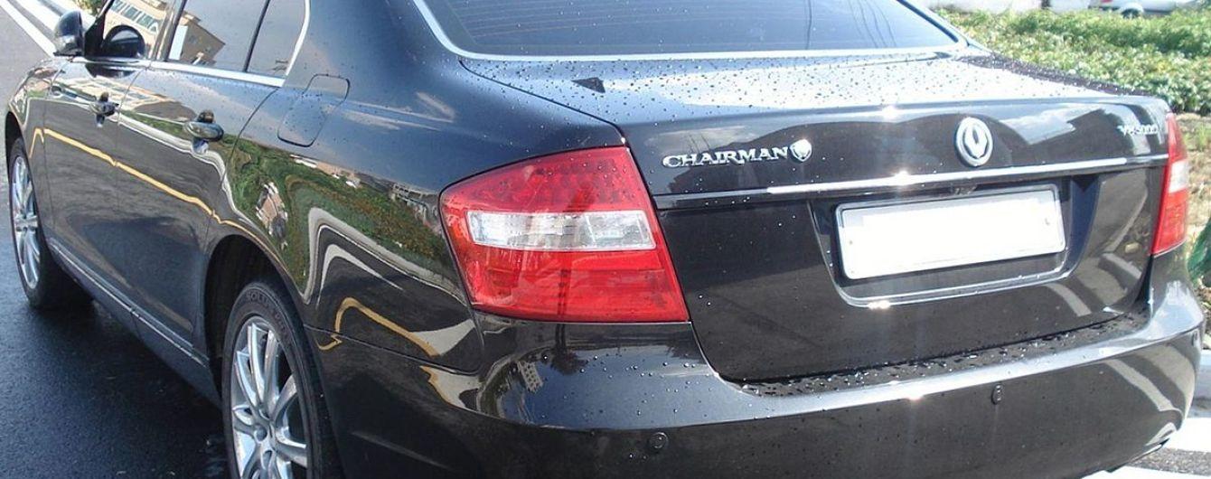 В Киеве водитель SsangYong протаранил полдесятка авто. Видео