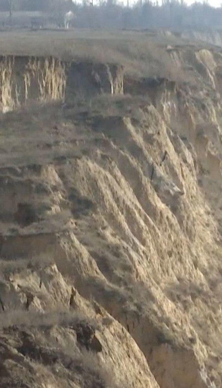 Майже пів кілометра прибережних схилів сповзли до моря в Очакові