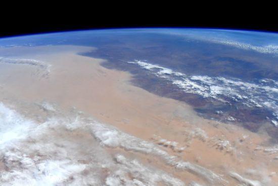 Астронавтка з МКС показала, як виглядають нищівні пожежі в Австралії з космосу