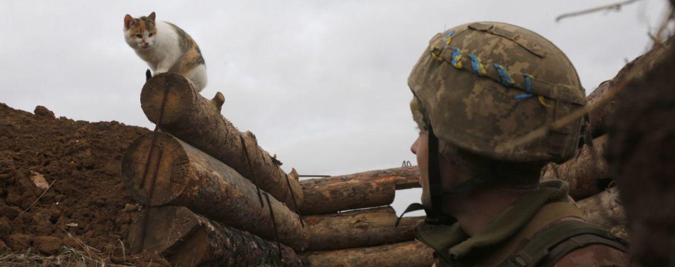 Боевики стреляли 10 раз, двое бойцов ООС ранены