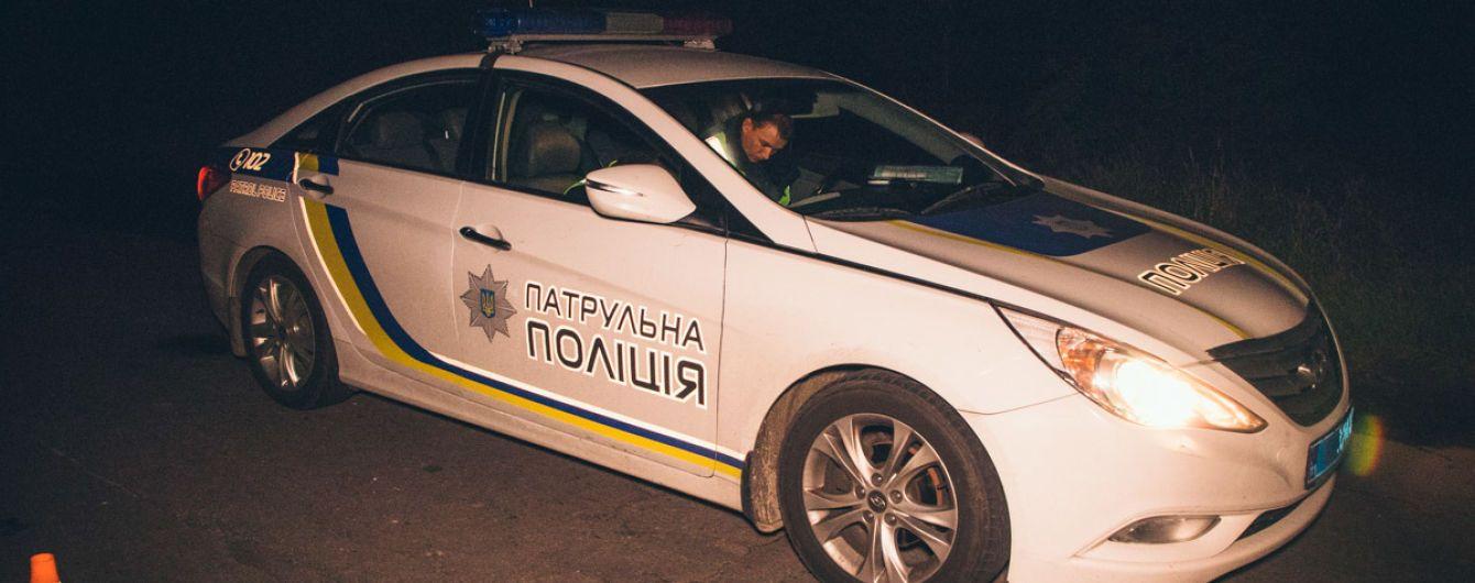На Донбассе полиция спасла алкоголика, который упал в водоем и потерялся