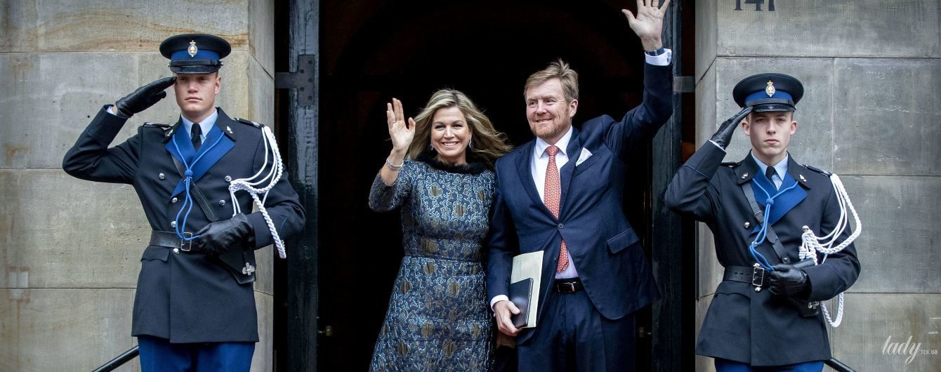 В эффектном синем луке: королева Максима на приеме в королевском дворце