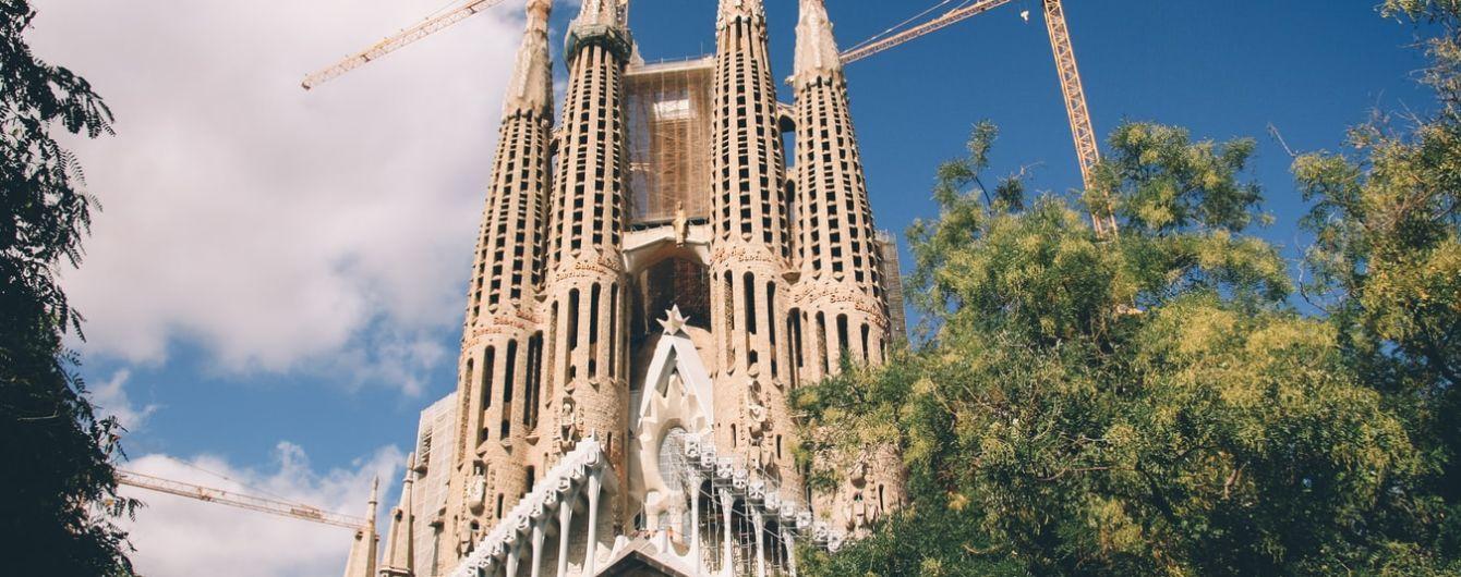Іспанія знову відкриється для закордонних туристів від липня