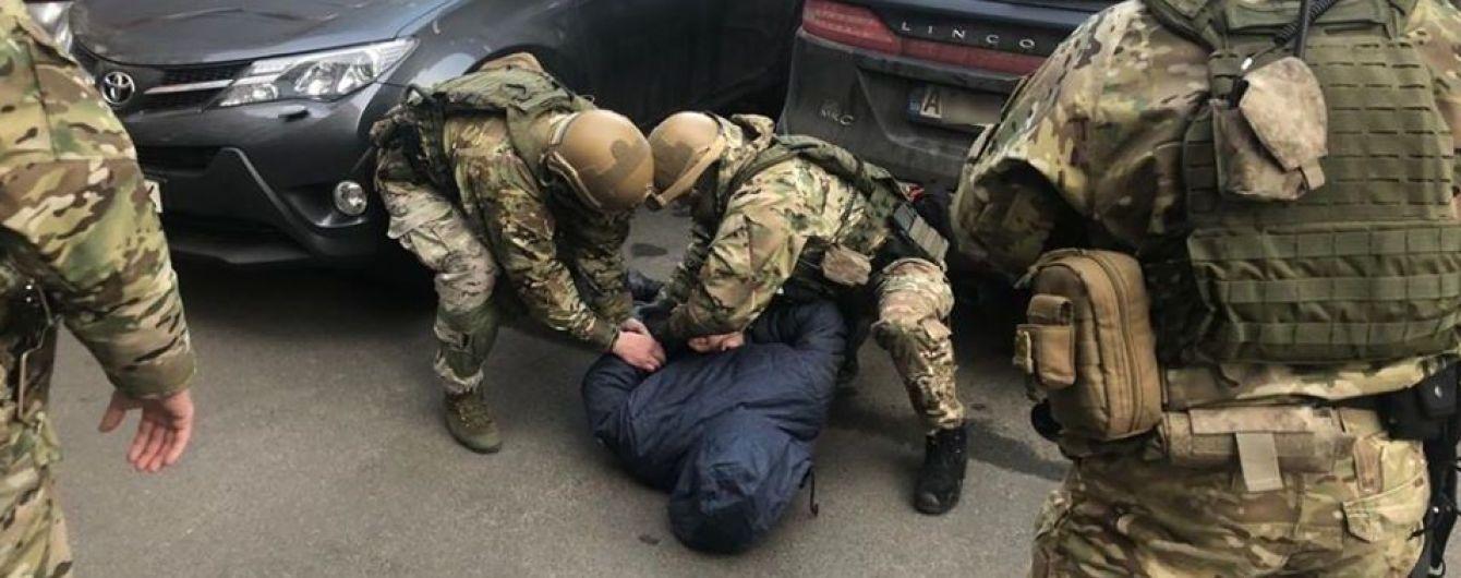 Поліція затримала ще одного члена банди, причетної до вбивства Окуєвої