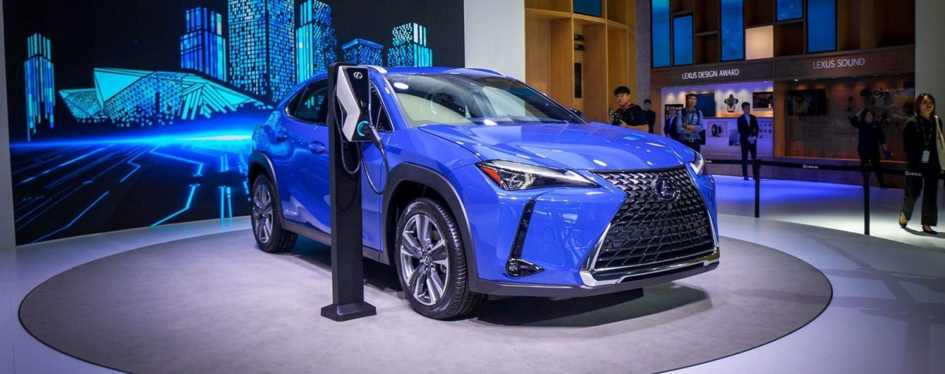 Lexus готується запустити у продажі свій перший електрокар