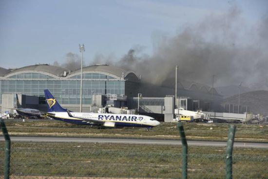 В Іспанії загорівся аеропорт, затримано рейси