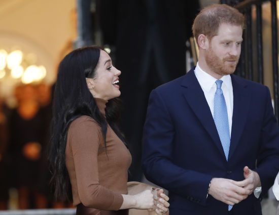 Принц Гаррі покинув Британію і вирушив до Меган до Канади