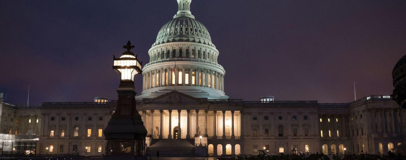 В США коронавирусом заболели двое конгрессменов