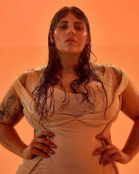 Солістка гурту KAZKA показала, як оголеною поніжилася у ванній