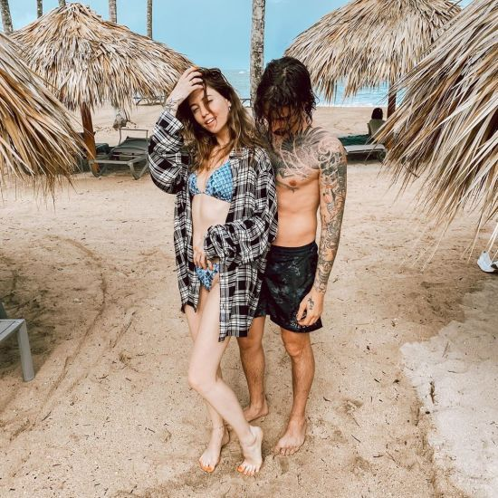 Закохані Дорофєєва та Дантес замилували романтичними фото з відпочинку