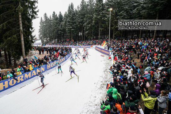 Білоруська біатлоністка стріляла в мішені росіянки під час естафети в Рупольдигу