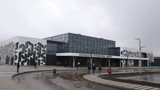 """СБУ обшукує міжнародний аеропорт """"Запоріжжя"""""""