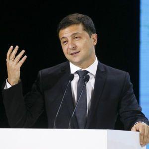 """""""Это долгий бой"""". Зеленский рассказал о борьбе с коррупцией"""
