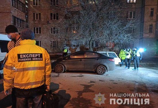 Застрелений у дворі багатоповерхівки Харкова виявився місцевим бізнесменом. Поліція мотиви не розголошує