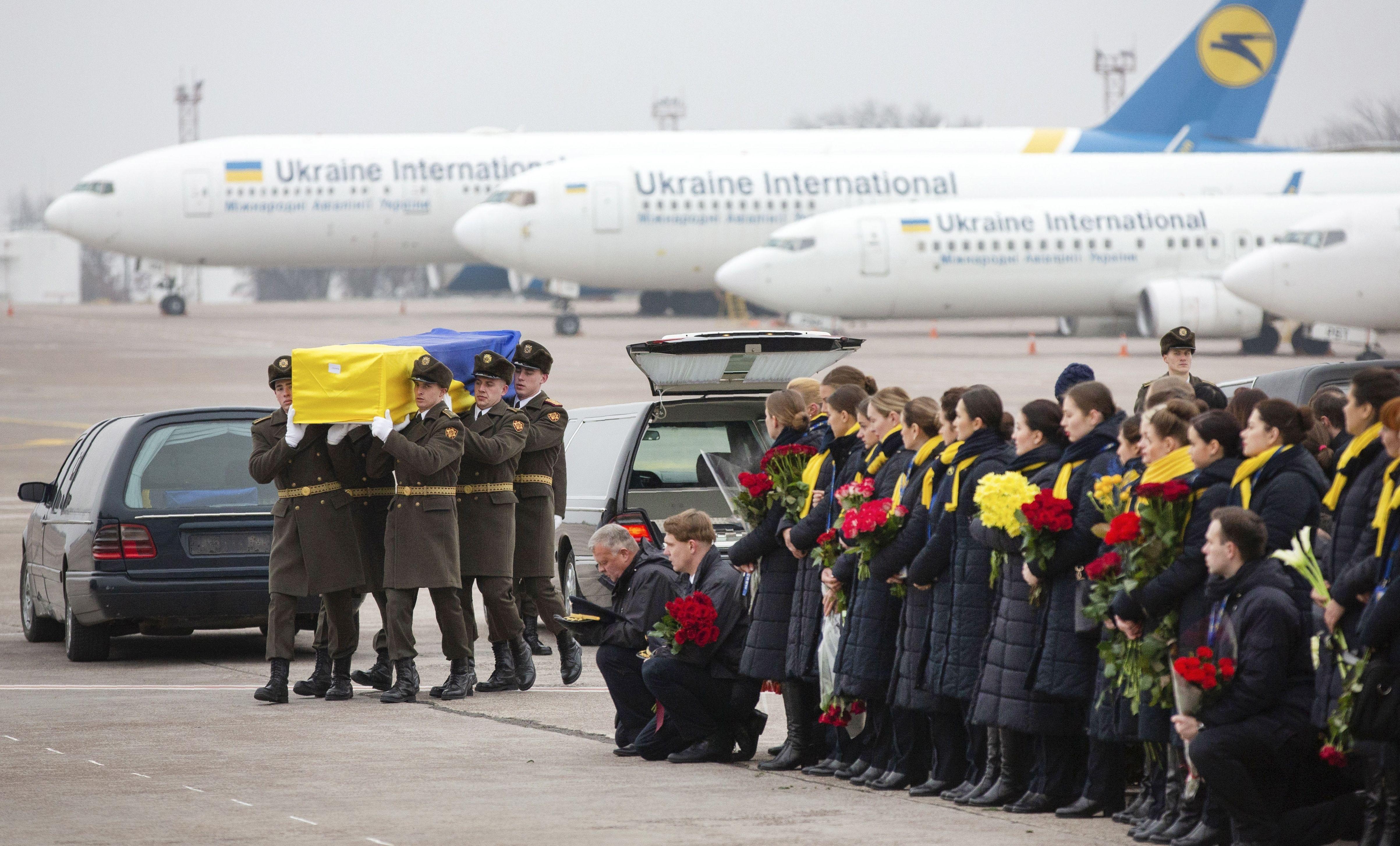 Церемонія прощання із загиблими у катастрофі МАУ_6