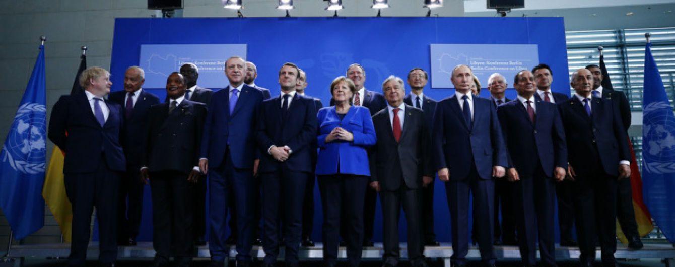Путин в Берлине опоздал на совместное фото с главами государств и заставил волноваться Меркель