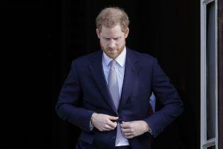 """""""Другого выхода не было"""". Принц Гарри опечален составлением монарших обязанностей"""