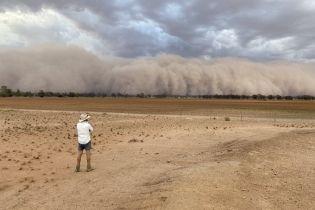 Після нищівних пожеж і сильних дощів в Австралії почалися пилові бурі