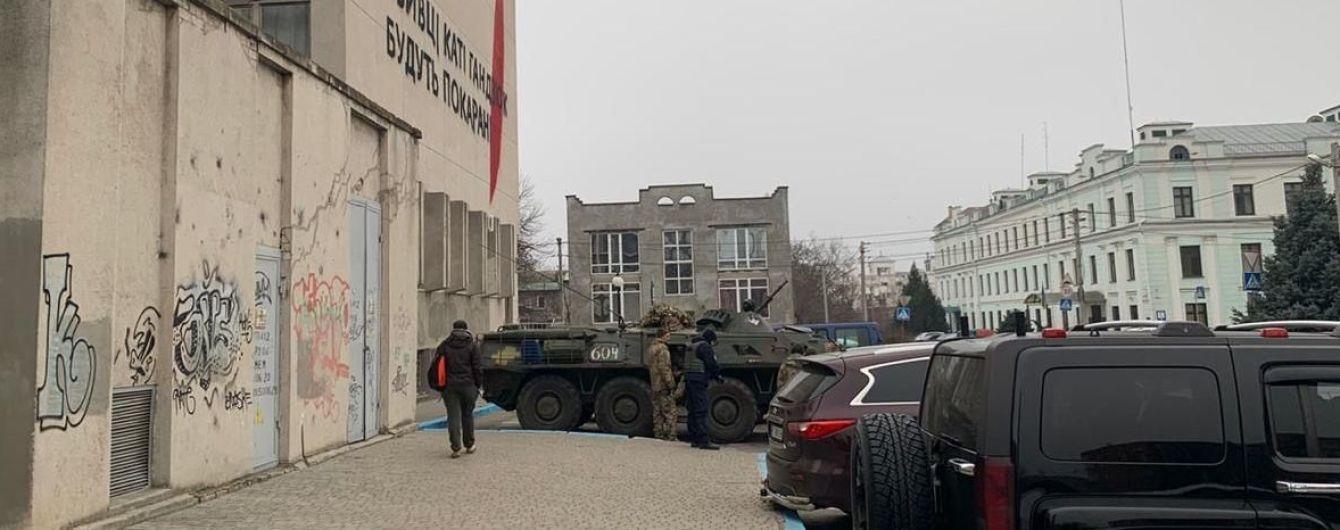 Силовики проводять спецоперацію у Херсоні: взялися за злочинну організацію і обшуки у справі Гандзюк