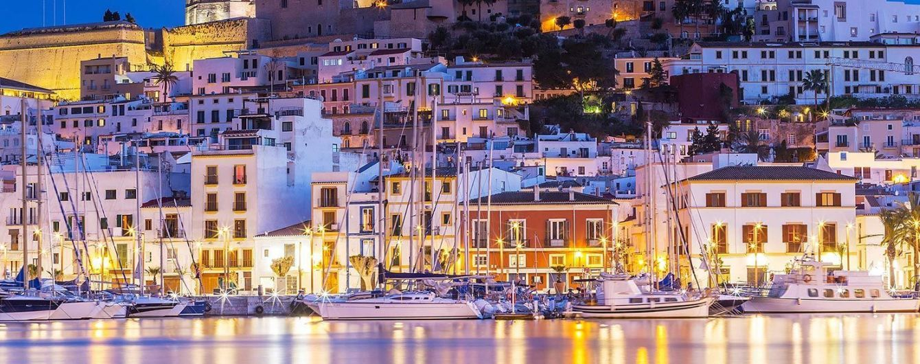 На популярных испанских островах введут штрафы для борьбы с пьяными туристами