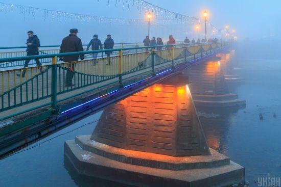В Україні місцями дощ та туман: погода на середу
