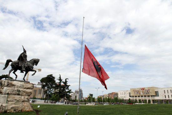 Нове покарання: в Албанії за порушення правил коронавірусного карантину можуть ув'язнити на 8 років