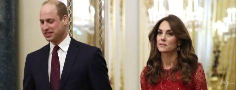 В червоній сукні за 635 доларів: герцогиня Кембриджська на прийомі у Букінгемському палаці