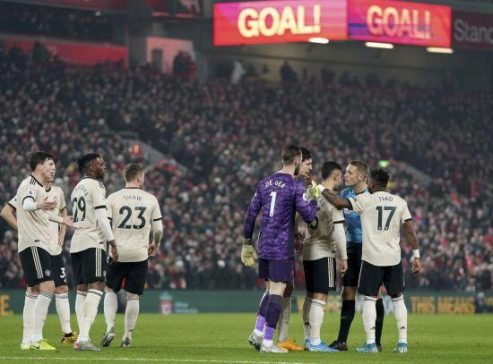 """""""Манчестер Юнайтед"""" висунуті звинувачення через інцидент в битві з """"Ліверпулем"""" - ЗМІ"""