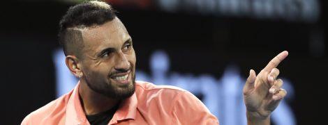 Теннисист швырнул болельщику кожуру от банана после победы на Australian Open