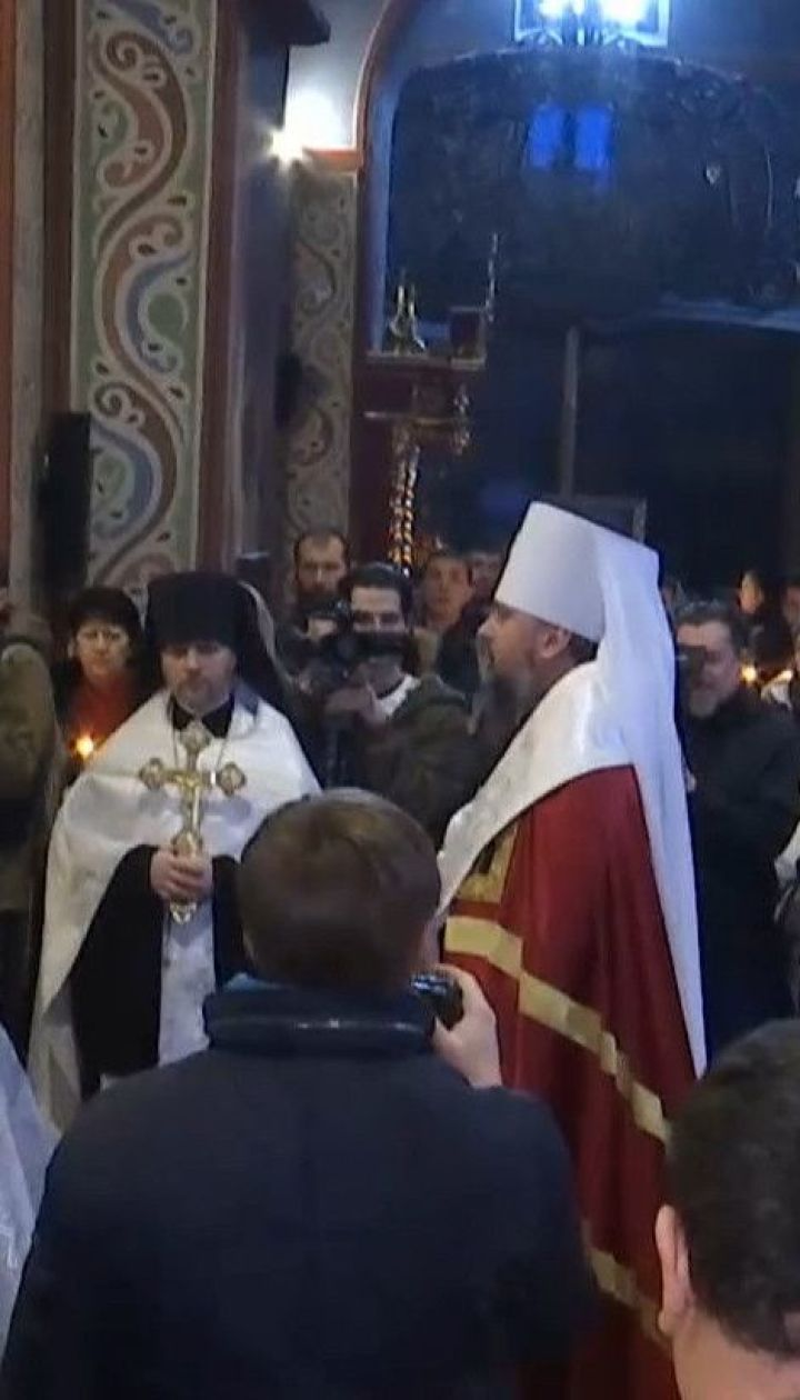 """В Михайловском Златоверхом соборе провели совместную молитву за """"киборгами"""""""