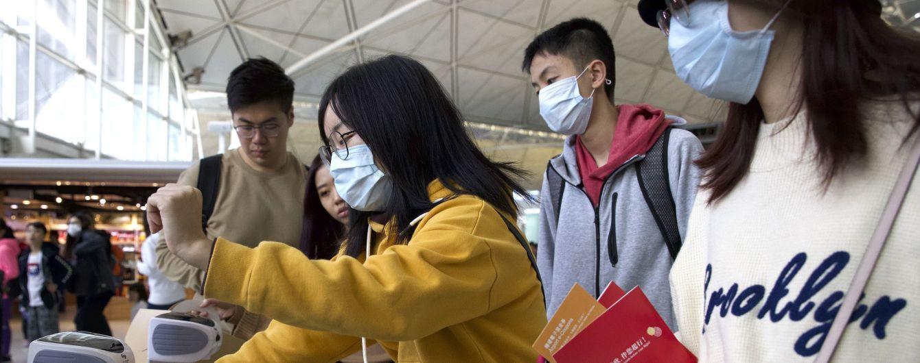 Вспышка в аэропорту: в Шанхае зафиксировали новые случаи местного заражения коронавирусом