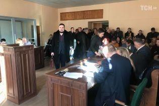 Жестокое убийство адвоката на Киевщине: суд избрал меры пресечения четырем подозреваемым