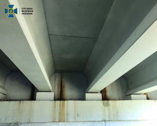 На Житомирщині почав руйнуватися відремонтований міст. Бо гроші вкрали чиновники