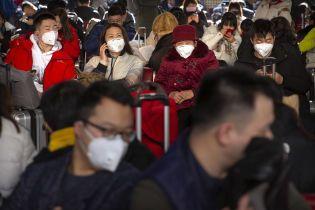 В Китае стремительно растет число погибших от неизвестной формы пневмонии: зафиксировано девять смертей