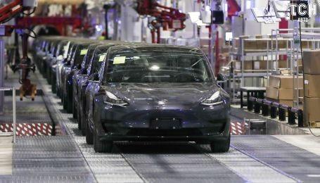 Продажи Tesla Model 3 втрое обогнали ближайшего конкурента. Рейтинг