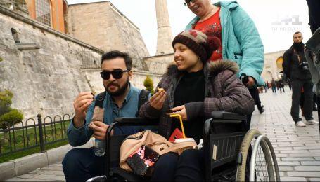 """Руслан Сенічкін з проектом """"Здійсни мрію"""" допоміг онкохворій дівчинці побачити Стамбул"""