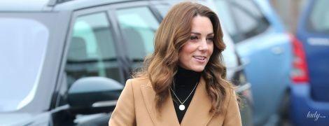 В пальто за 194 доллара: герцогиня Кембриджская впечатлила новым аутфитом