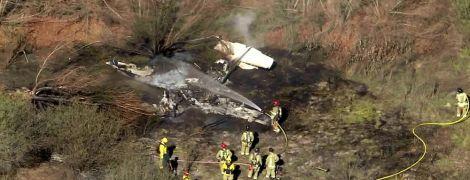 В аэропорту Калифорнии упал небольшой самолет: есть погибшие