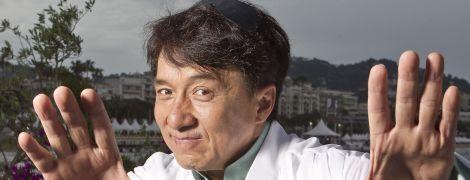 "Джеки Чан рассказал, как едва не погиб во время съемок фильма ""Доспехи Бога"""