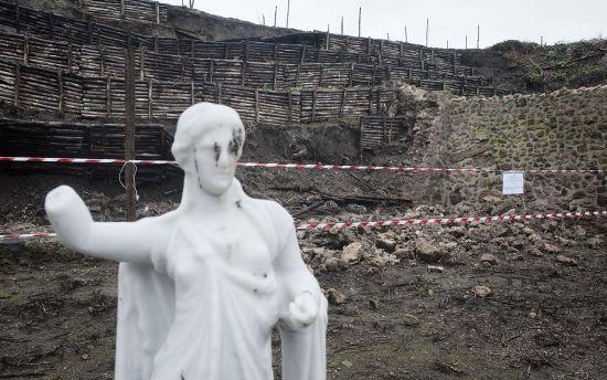 Біля місця гибелі Помпеї знайшли дивне чорне скло. Ним виявився мозок жертви вулкана