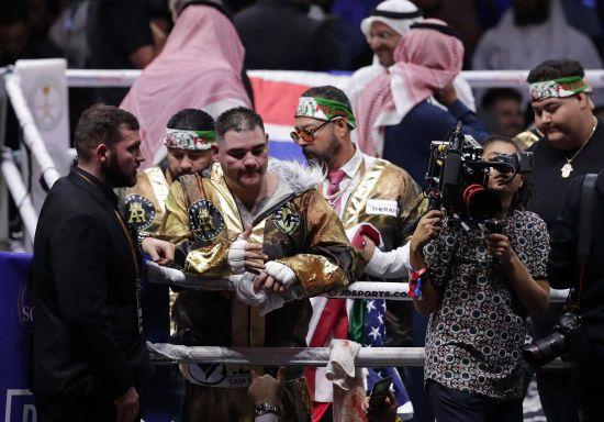 Ексчемпіон світу Руїс розлучився з тренером, боксер відмовлявся слухати його