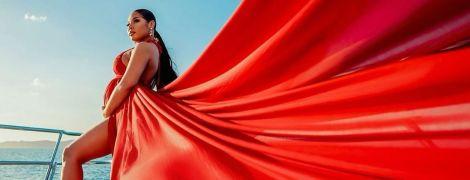 Девушка самого быстрого человека планеты Усэйна Болта роскошными фото сообщила о своей беременности
